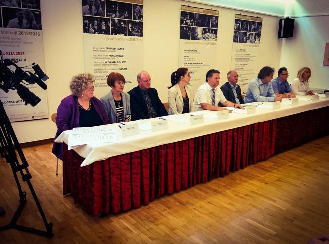 Podpis listine o medsebojnem sodelovanju na področju izobraževanja med MO Novo mesto in Banja Luko. Foto: Matija Korasa (2015)